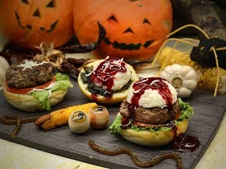 君品酒店云轩西餐厅将於万圣节期间於甜点餐台推出眼球,幽灵与鬼脸等8
